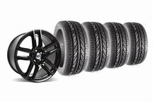 Mustang Boss 302 S Wheel And Tire Kit 19X9 & 19X10 Gloss Black (05-14)