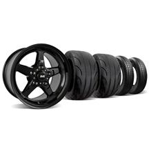 Mustang SVE Drag Wheel & Tire Kit 15X10/17X4.5 Gloss Black  (05-14)